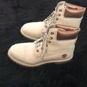Timberland bone and bronze boots